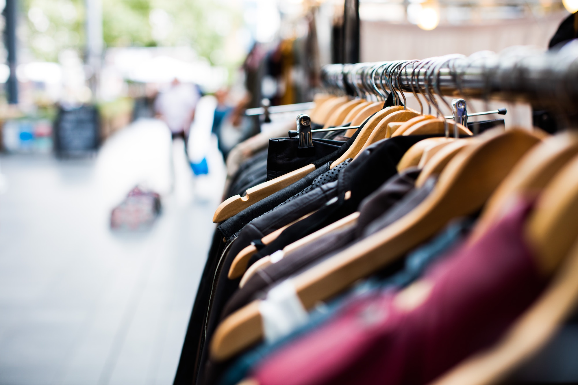 3 Ways to Activate Customer Data for a Differentiated Shopping Experience
